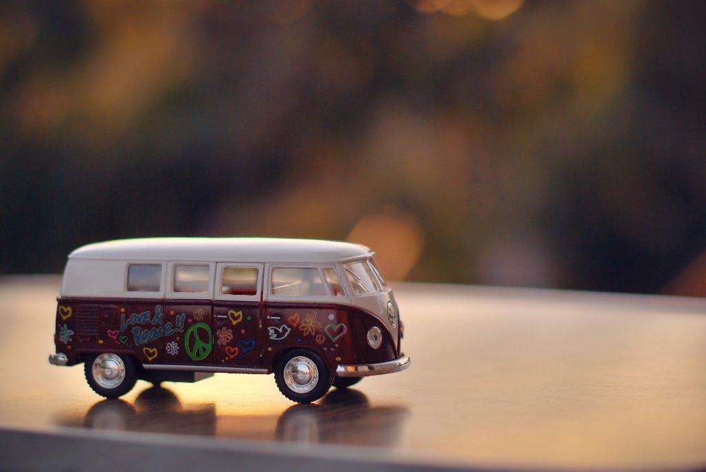 バス ミニカーの画像